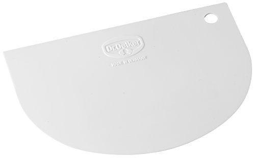 Dr. Oetker Teigschaberkarte, Teigspachtel aus Kunststoff, hochwertiger Teigschneider, Schaber zum Glattstreichen von Teig - flexibles Material (Maße ca.: 12 cm x 7,5 cm), Menge: 1 Stück