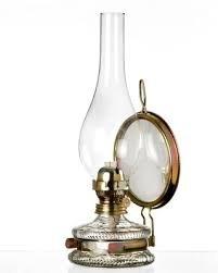 Mittlere Oellampe antikes Design mit Spiegel Petroleumlampe befüllbar mit Fuß aus transparentem Glas dekorative Petroleumlampe mit verziertem gold farbigen Dochthalter in Messinghalterung mundgeblasen Höhe ca. 32,5 cm