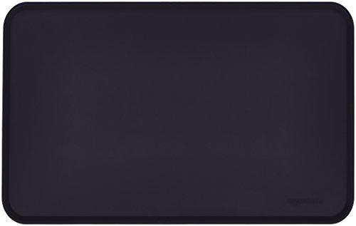 AmazonBasics - Wasserabweisende Napfunterlage aus Silikon, Unterlage für Haustierfutter, 47 x 29 cm, Schwarz