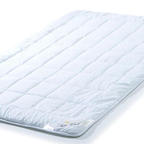 Ganzjahres Bettdecke 135x200 cm Steppdecke atmungsaktiv kochfest, Ganzjahres Steppbett für Winter und Sommer aqua-textil Soft Touch 0010569