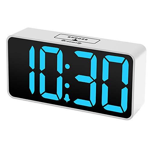 DreamSky LED Digital Wecker mit USB-Ladeanschluss, Große Ziffern Display, Lauter Alarm, Helligkeit und Lautstärke Regelbar, Snooze, 12/24HR, Netzbetrieben (Weiß-Blau)