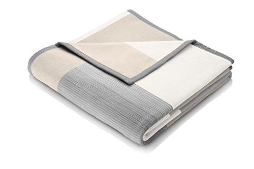 biederlack flauschig-weiche Kuschel-Decke I Made in Germany I Öko-Tex Standard 100 I nachhaltig produziert I Squares Grey I Couch-Decke aus Baumwolle und Dralon kariert I Sofa-Decke 150x200cm grau