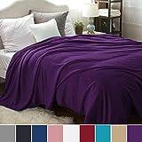 Bedsure Kuscheldecke XL Lila Flauschige große Decke, extra weich& warm Wohndecke, 220x240 cm Flanell Fleecedecke, Falten beständig/Anti-verfärben als Sofadecke oder Bettüberwurf
