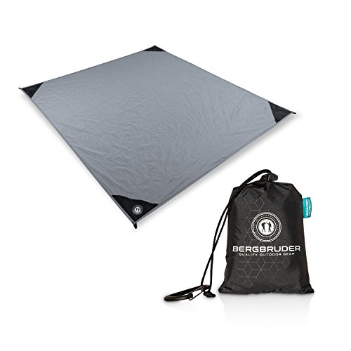 BERGBRUDER Nylon Picknickdecke im Hosentaschenformat - Wasserdicht, Ultraleicht & kompakt - Ground Sheet, Pocket Blanket, Tarp, Leichte Stranddecke mit Tasche und Karabiner in L und XL