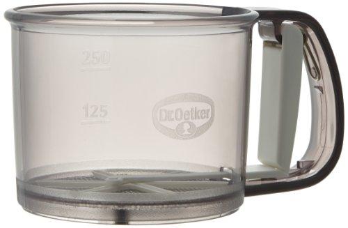 Dr. Oetker Einhand-Mehlsieb, Handsieb für Mehl und Zucker, sichere Bedienung mit nur einer Hand, zum feinen Bestäuben und Bestreuen, Funktionsteil aus Edelstahl, (Farbe: grau), Menge: 1 Stück