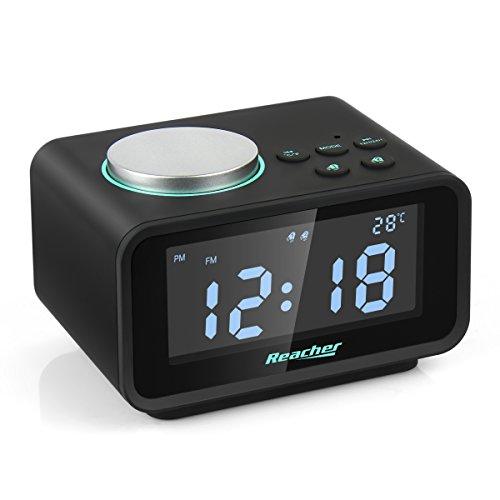 FM Radiowecker, Reacher Digitaler Wecker mit Dual-Alarm, Dual USB-Ladeanschluss, Snooze-Funktion, Innenthermometer, 6-stufige Helligkeit, 12/24-Stunden