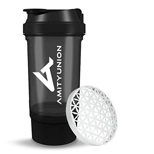 Protein Shaker 700 ml FYRA mit Pulverfach von AMITYUNION - Eiweiß Shaker auslaufsicher - BPA frei - Sieb und Skala für Whey und BCAA Shakes, Gym Fitness Becher für Isolate, Sport Konzentrate in Schwarz