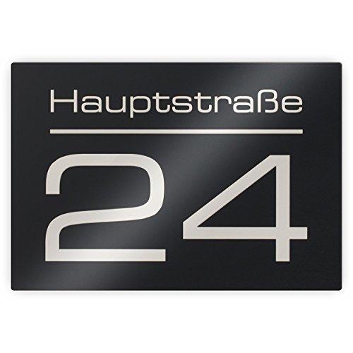 Metzler-Trade Hausnummer Hausnummernschild mit Beschriftung Straßenname/Name und Wunsch-Nummer - Laser-Gravur kein Verblassen - Farbe: Anthrazit RAL 701 / Schrift: Weiß - UV-beständig - 16 x 11 cm