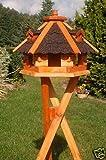 Vogelhäuschen, Vogelhaus mit Bitumschindeln, behandelt mit Ständer, Vogelfutterhaus mit Futtersilo, Silo