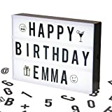 Cosi Home - A4 Lightbox, Lichtbox, Leuchtkasten mit 100 Buchstaben, Emojis und Symbolen, zum individuellen Gestalten Ihrer eigenen Nachrichten, Kino-Design, Stromversorgung über Batterie oder USB