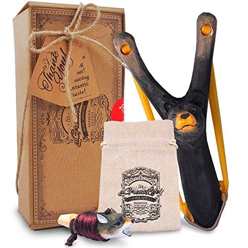 aGreatLife Steinschleuder Kinder aus Holz - Extra elastisches Gummi - Zwille mit Tasche für Munition - Katapult für Kinder - Outdoor Spielzeug für Junge Entdecker - 4-teilig MIT Holzpfeife