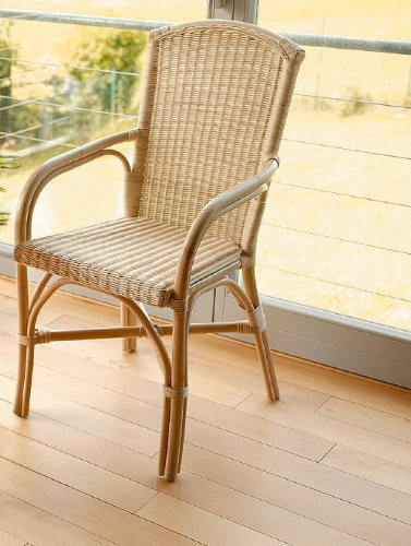 Rattan-Stuhl, natur lackiert