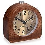 Navaris Analog Holz Wecker mit Snooze - Retro Uhr Halbrund mit Ziffernblatt Gold Alarm Licht - Leise Tischuhr ohne Ticken - Naturholz in Dunkelbraun