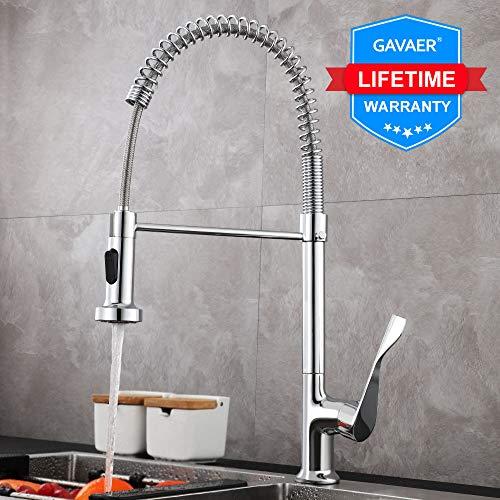 GAVAER Küchenarmatur, 360° Drehbarer Wasserhahn Küche mit Herausziehbarer Dual-Spülbrause, Spiralfederhahn Wasserhahn. Kaltes und Heißes Wasser Vorhanden, Messing Verchromt, Lebenslange Garantie.