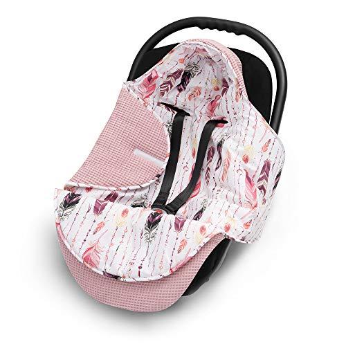 EliMeli EINSCHLAGDECKE für Babyschale Baby Decke für Autositz und Kinderwagen aus Waffelstoff und Baumwolle mit Füllung, universal z.B. Maxi Cosi Kinderwagendecke (Marineblau - Sterne) (Rosa - Federn)