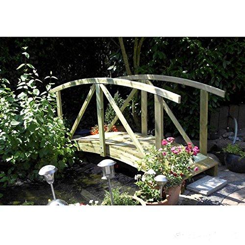 Teichbrücke gebogen aus Holz mit Geländer von Gartenpirat