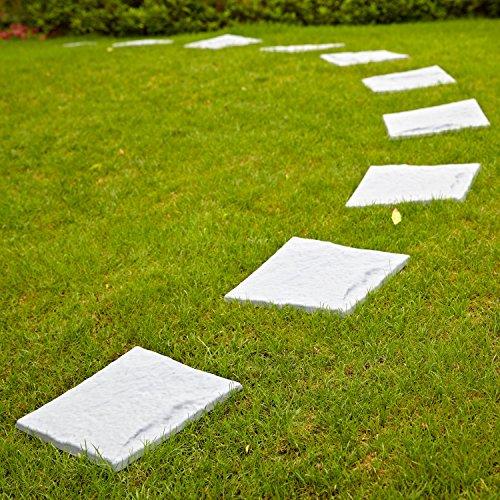 Parkland Kunststoff-Terrassenplatten, Trittstein-Imitationen mit Stein-Effekt, zum Anlegen eines Pfads im Rasen geeignet.