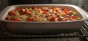 Überbacken mit Käse im Minibackofen.